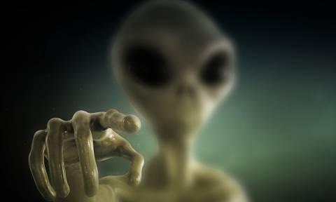 «Βόμβα» από διάσημο φυσικό: Σύντομα η πρώτη επαφή ανθρώπων με εξωγήινους (Pics+Vid)