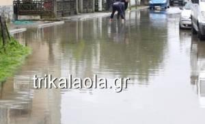 Τρίκαλα: «Μάχη» με τη λάσπη για να σώσουν τις περιουσίες τους (pics)