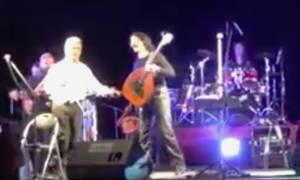 Σκουλάς και Τζουγανάκης τραγουδούν «Μαδάρες μου Χανιώτικες»
