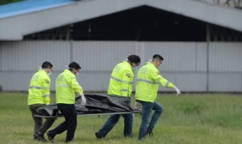 Φρικτό δυστύχημα σε πτήση προς Νέα Υόρκη: Δύο άνδρες έπεσαν από αεροπλάνο που απογειωνόταν (Vids)