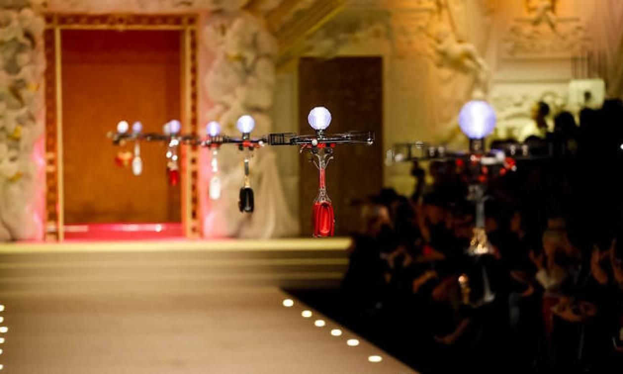 Οι Dolce & Gabbana «κατέβασαν» drones στην πασαρέλα τους! (pics)