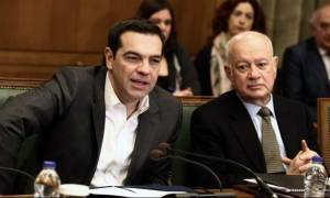 «Λυπάμαι πολύ»: Τα sms Τσίπρα – Παπαδημητρίου λίγο πριν την παραίτηση του υπουργού Οικονομίας