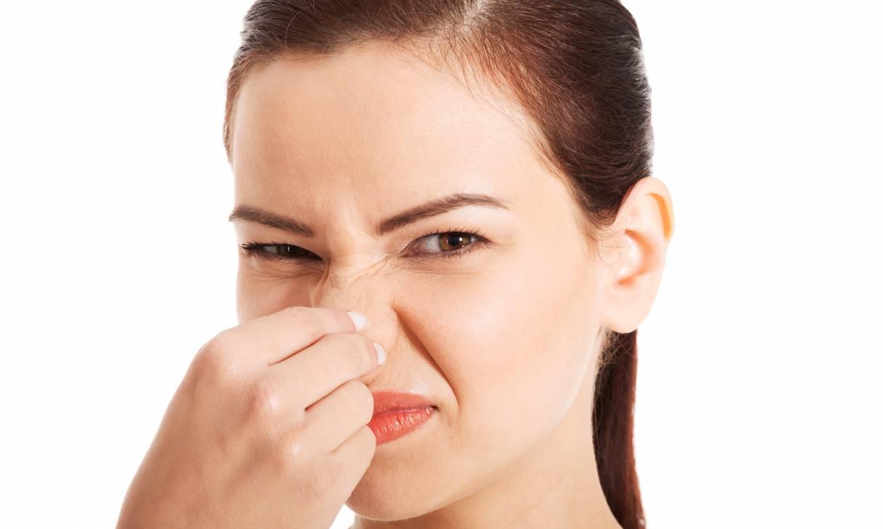 Απεχθάνεσαι τις μυρωδιές του σώματος; Δες τι «σημαίνει» αυτό για τα πολιτικά σου πιστεύω!