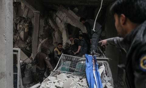 Συρία: Λουτρό αίματος στην Ανατολική Γούτα - Πάνω από 600 άμαχοι νεκροί