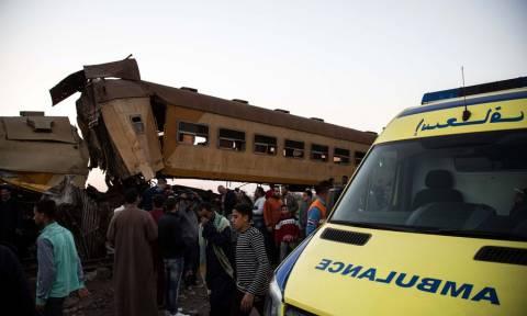 Σφοδρή σύγκρουση τρένων στην Αίγυπτο: Τουλάχιστον 15 οι νεκροί - Συγκλονιστικές φωτογραφίες
