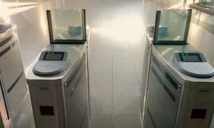 Ηλεκτρονικό εισιτήριο: Δείτε πότε πέφτουν οι μπάρες σε μετρό και ηλεκτρικό