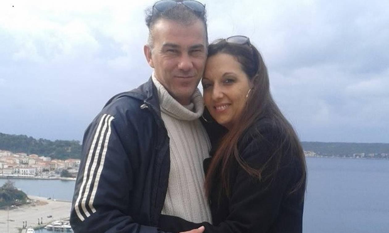 Η στιγμή που βγαίνει από το νοσοκομείο ο πατέρας που έχασε γυναίκα και κόρη στο τροχαίο της Κρήτης