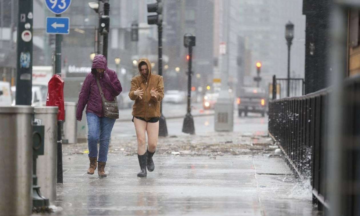 Σφοδρή χιονοθύελλα πλήττει τις ΗΠΑ - Έκλεισε το αεροδρόμιο JFK (pics+vids)