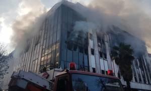 Συναγερμός για μεγάλη πυρκαγιά στην Εφορία στο κέντρο της Λάρισας - Εικόνες - ντοκουμέντο