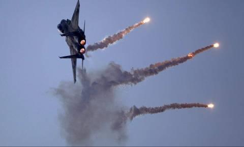 Κλιμακώνεται η επίθεση των Τούρκων στο Αφρίν: Βομβαρδίζουν τον στρατό του Άσαντ (Vid)