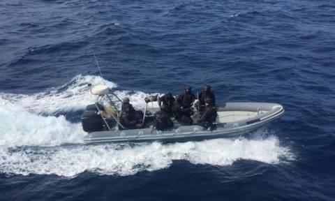 Κρήτη: Το «ρεσάλτο» των βατραχανθρώπων στο αλιευτικό με τον ένα τόνο κάνναβης
