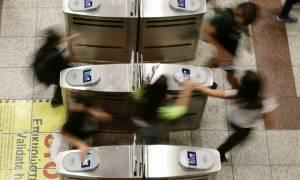 Προσοχή! Κλειστές οι πύλες στο σταθμό «Σύνταγμα» του Μετρό