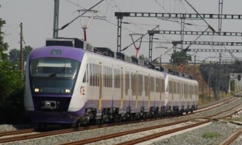 Σύγκρουση τρένου με αυτοκίνητο στον Άγιο Στέφανο - Ένας τραυματίας