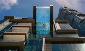 Viral video: Πισίνα με θέα που κόβει την ανάσα στον «ουρανό» της Χονολουλού