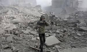 Συρία: Διεθνής αυτοκινητοπομπή «έσπασε» την πολιορκία της αιματοβαμμένης Γούτα