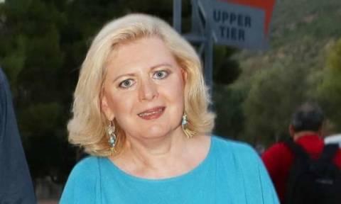 Η Έλενα Ακρίτα «πυροβολεί» μέσω facebook τη Φωτεινή Δάρρα λόγω της Τζένης Βάνου