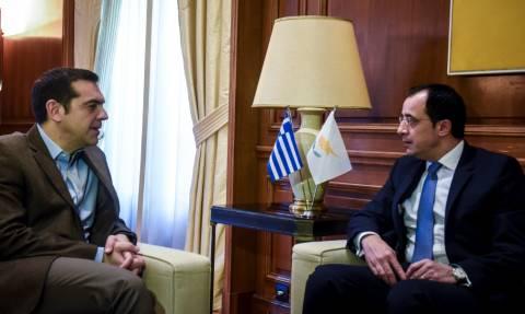 Τι συζήτησαν Τσίπρας και Χριστοδουλίδης στο Μαξίμου (pics)