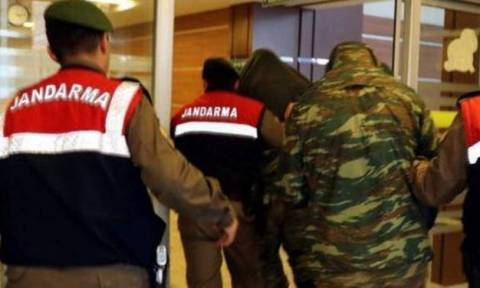 Έλληνες στρατιωτικοί: Συγκλονίζει ο πατέρας του λοχία – Τι αποκαλύπτει μετά τη συνάντησή τους
