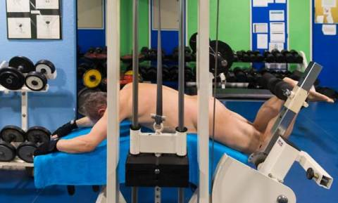 Αυτό το γυμναστήριο είναι μόνο για... γυμνιστές! (pics)