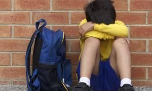 Οργιάζει το bullying στα ελληνικά σχολεία: Ξυλοδαρμοί, βρισιές και ξεγυμνώματα από το δημοτικό