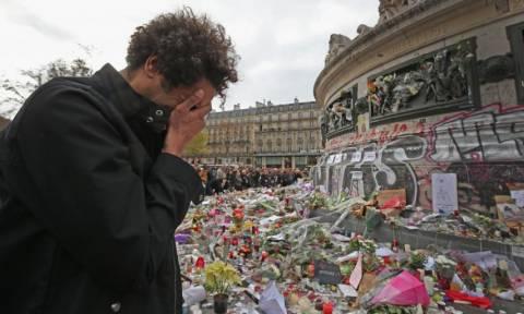 Βρέθηκε ο «εγκέφαλος» των πολύνεκρων τρομοκρατικών επιθέσεων στο Παρίσι (Vid)