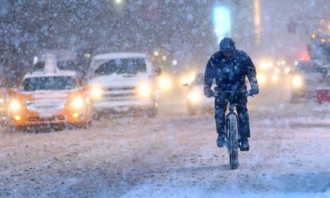 Εκατοντάδες πτήσεις ακυρώθηκαν στη Νέα Υόρκη εν αναμονή ισχυρών χιονοπτώσεων