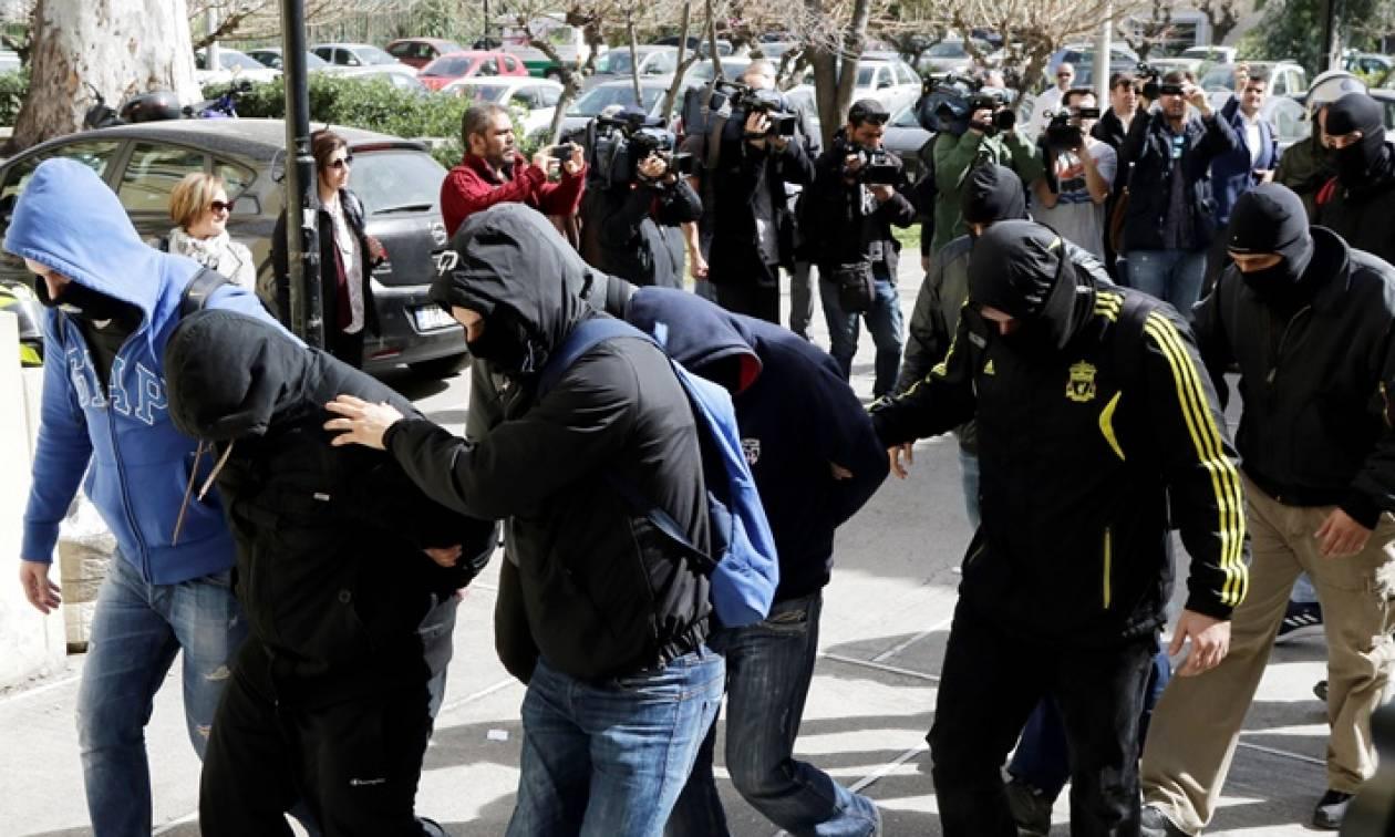 Διώξεις για κακούργημα στους επτά από τους 11 συλληφθέντες ως μέλη ακροδεξιάς οργάνωσης