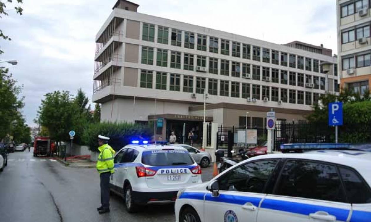 Κοζάνη: Αθώοι οι δύο κατηγορούμενοι για τον εμπρησμό του Δικαστικού Μεγάρου (vid)
