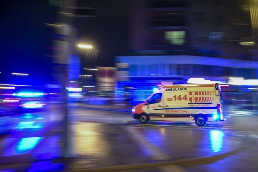Συναγερμός στην Αυστρία: Τέσσερις τραυματίες από διπλή επίθεση με μαχαίρι (Pics)