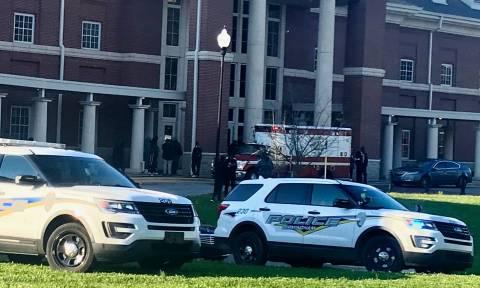 Νέο σοκ στις  ΗΠΑ: Μπαράζ πυροβολισμών σε λύκειο στην Αλαμπάμα - Μία μαθήτρια νεκρή (Pics+Vids)