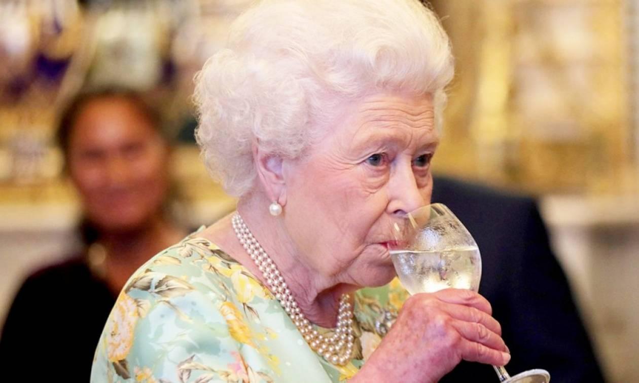 Αυτή είναι η κρυφή... αδυναμία της βασίλισσας Ελισάβετ!