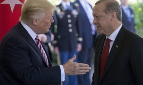 Τουρκία: Απομονωμένος και στην κατηγορία «σκουπίδια» ο Ερντογάν