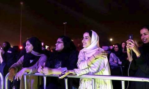 Σ. Αραβία: Ιστορική πορεία 2.500 γυναικών στη Τζέντα με αφορμή την Παγκόσμια Ημέρα της Γυναίκας