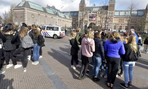 Ολλανδία: Χάος από πολύωρο μπλακ άουτ στο Άμστερνταμ
