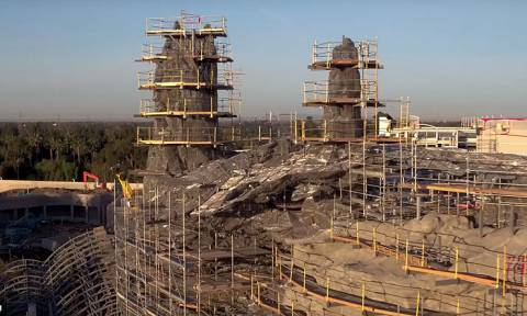 To drone της Disney πετάει πάνω από το Star Wars Park  - Εντυπωσιακές εικόνες