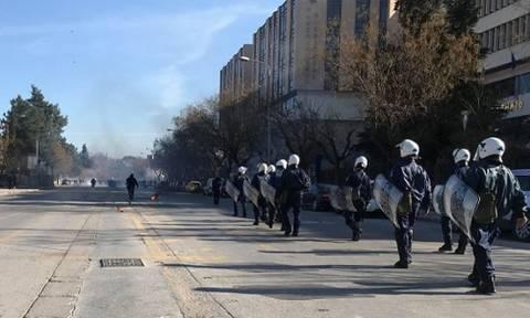 Χαμός στη Θεσσαλονίκη: Επεισόδια με οπαδούς του ΠΑΟΚ και Αστυνομικούς (photos, video)