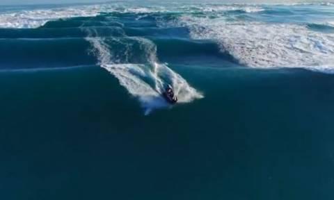 Ανέβηκε στο τζετ σκι και... Η συνέχεια είναι ό,τι πιο συναρπαστικό θα δείτε σήμερα (video)