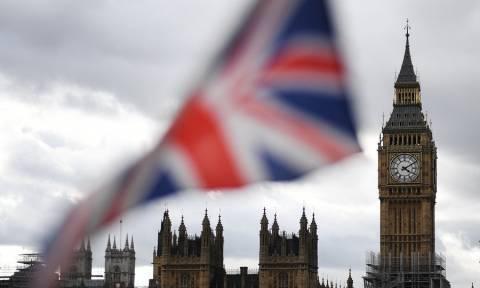 Έρευνες στο βρετανικό κοινοβούλιο για «ύποπτη ουσία» - Δύο άνθρωποι στο νοσοκομείο