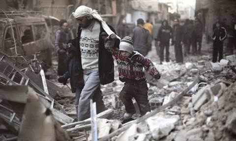 Συρία: Τουλάχιστον 76 άμαχοι αποχώρησαν από την ανατολική Γούτα
