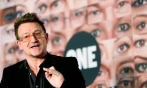 Έξαλλος ο Μπόνο με τις παρενοχλήσεις στο One Campaign