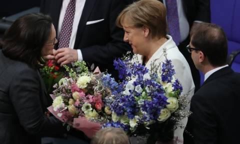 Εξελέγη καγκελάριος για τέταρτη φορά η Μέρκελ