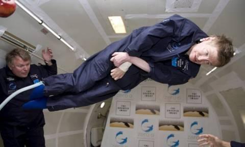 NASA για Στίβεν Χόκινγκ: «Να συνεχίσεις να πετάς σαν τον σούπερμαν στη μικροβαρύτητα...»