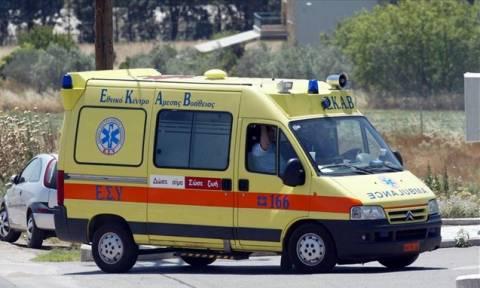 Σοβαρό τροχαίο στην Κρήτη: «Εκτοξεύτηκε» από το δίκυκλο και χτύπησε σε ελιά