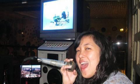«Φρένο» στο εθνικό σπορ των Φιλιππίνων: Το... καραόκε!