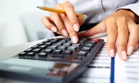 Φορολογικές δηλώσεις: Πώς θα κατοχυρώσετε έκπτωση φόρου – Τα μυστικά και οι παγίδες
