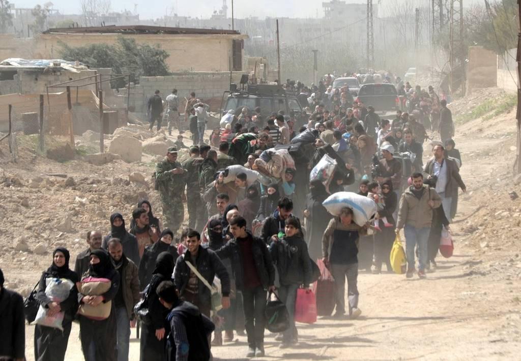 «Λουτρό αίματος» στη Συρία: Περισσότεροι από 42 άμαχοι νεκροί – Χιλιάδες εγκαταλείπουν τη Γούτα