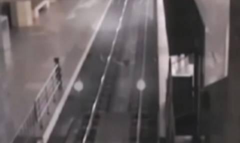 Τρένο - «φάντασμα» εμφανίστηκε στην Κίνα