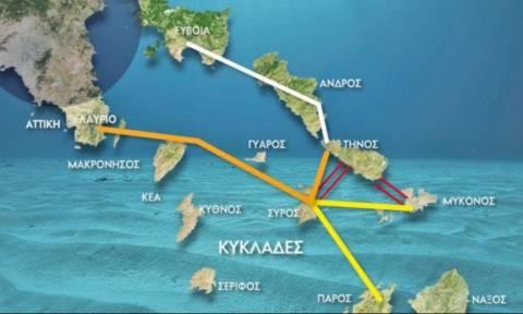 Ιστορική στιγμή: Με ρεύμα από το ηπειρωτικό δίκτυο οι Κυκλάδες – Εγκαινιάζει τη διασύνδεση ο Τσίπρας