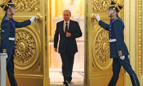 Βλαντιμίρ Πούτιν: Ο απόλυτος ηγέτης του 76% (Pics+Vids)