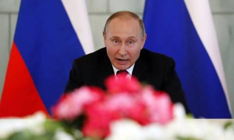 Συγχαρητήρια Μέρκελ και Μακρόν σε Πούτιν για την επανεκλογή του - Η αντίδραση των ΗΠΑ